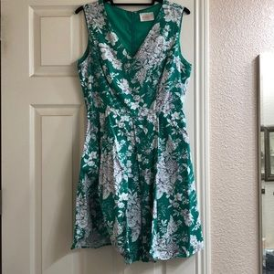 Size Large Green, White, Gray Floral Dress